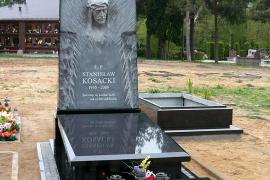 nagrobki-i-pomniki-pracownia-rzezbiarsko-kamieniarska-bazalt-waclaw-jezyna-004