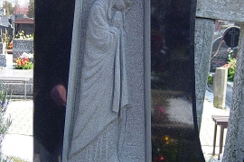 tablice-nagrobne-rzezbione-pracownia-rzezbiarsko-kamieniarska-bazalt-waclaw-jezyna-001